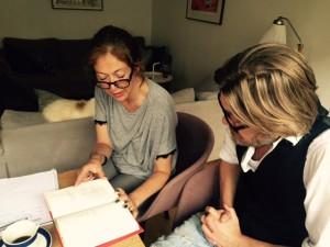 Charlotta Lundgren och Lars Andersson läser Svek av Harold Pinter.